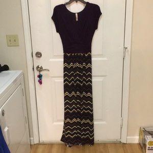 Maxi dress. Size medium.